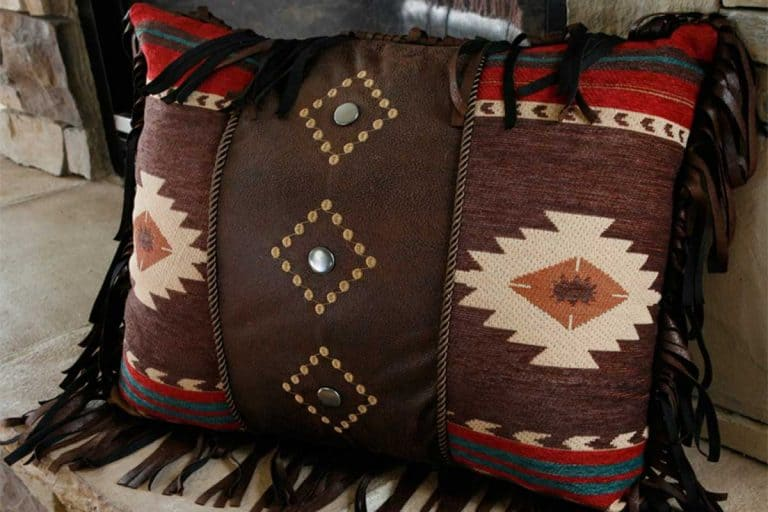15 Gorgeous Santa Fe Style Throw Pillows You Need To See