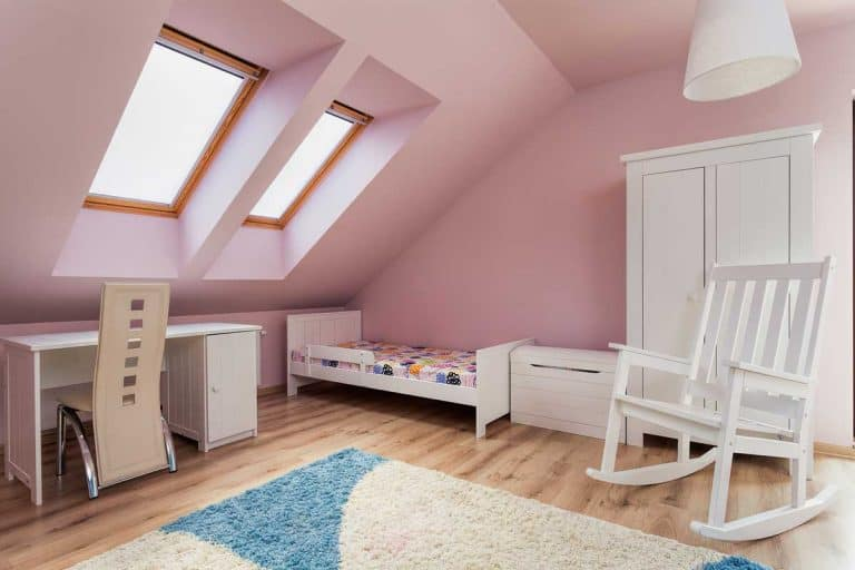 How to Decorate a Room with Pink Walls the Right Way