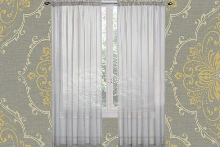 15 Wallpaper and Matching Curtains Combos To Inspire You