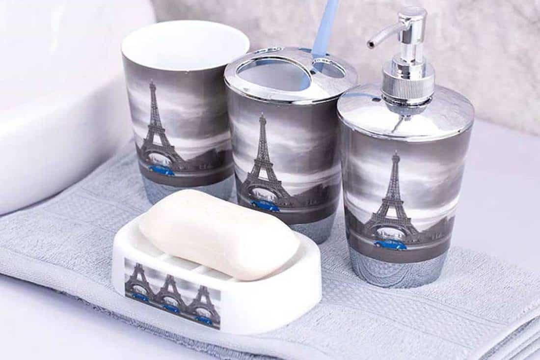 21 Paris Themed Bathroom Accessories Ideas