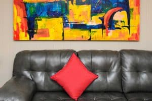 Best Throw Pillows For a Black Leather Couch [With 25 Photo Examples]