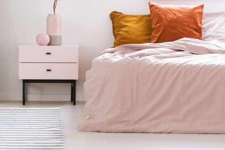 17 Blush Pink Bedroom Accessories For That Perfect Feminine Touch