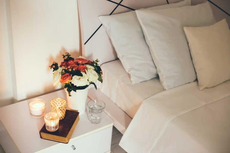 Do Bedside Tables Have to Match the Bed [8 Picture Examples]