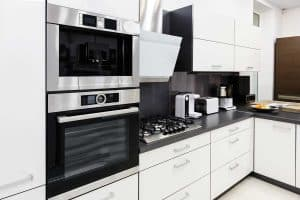 Read more about the article Should Kitchen Appliances Be the Same Brand? (Including ILLUSTRATED examples)