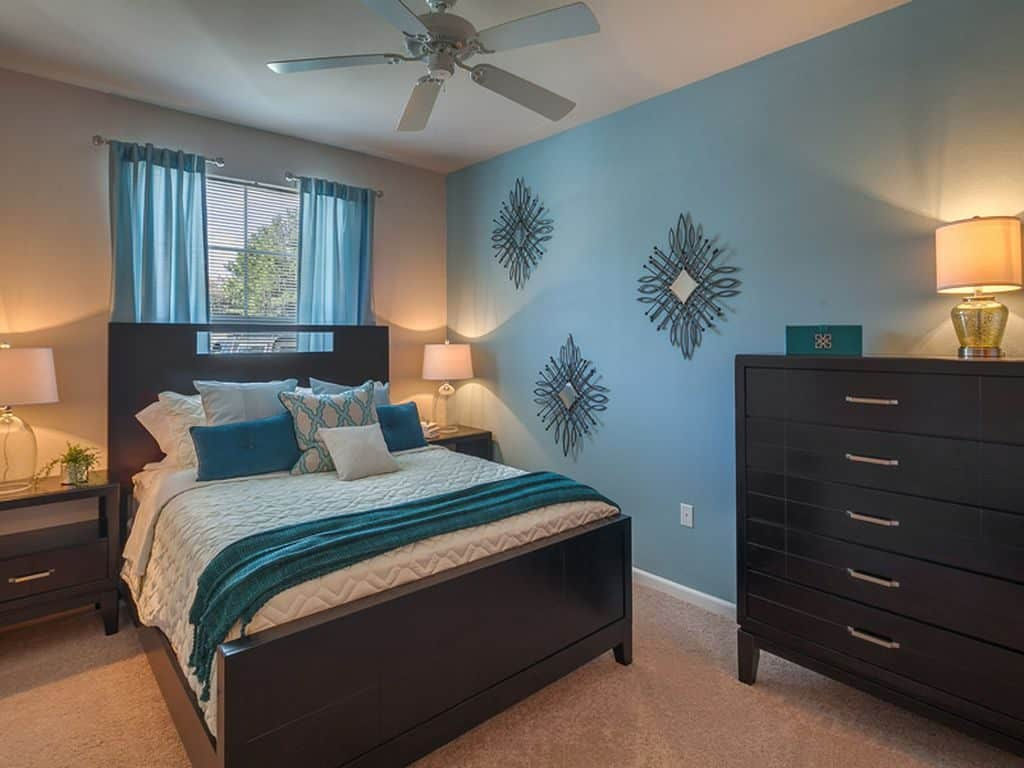 Dark Teal Bedroom | Article by HomeDecorBliss.com