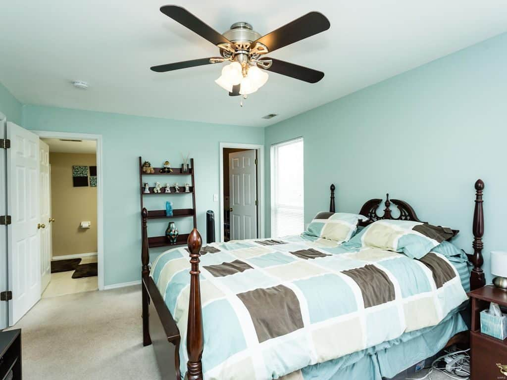 Teal and Brown Bedroom | Article by HomeDecorBliss.com