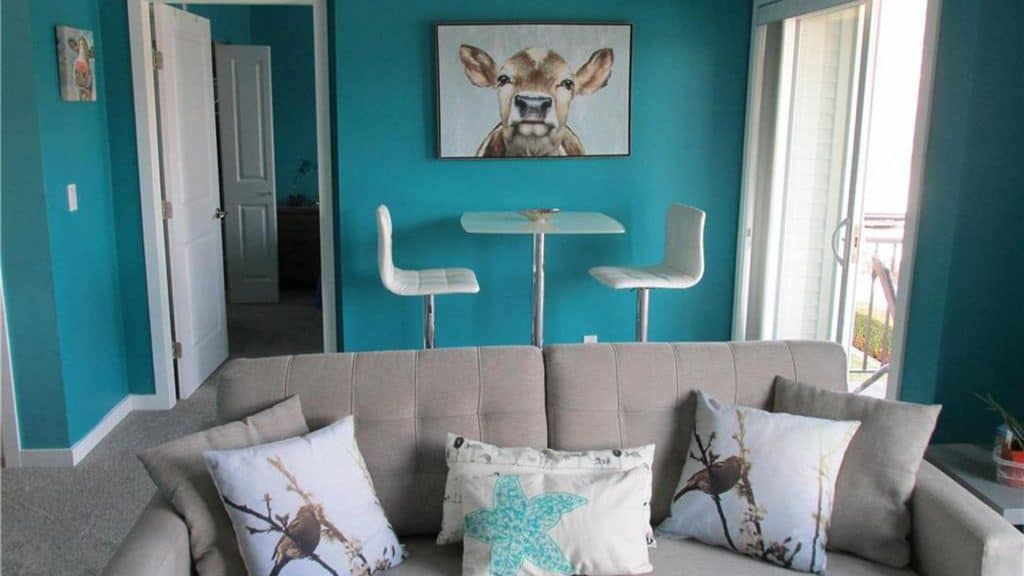 Dark Teal Living Room Ideas | Article by HomeDecorBliss.com