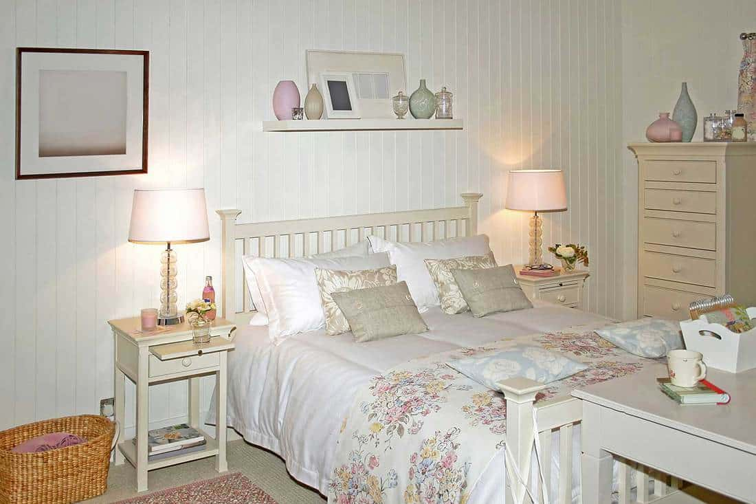Big white bed in light bed room