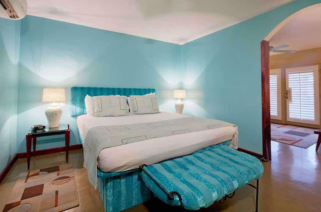 Cozy blue-themed modern bedroom interior design