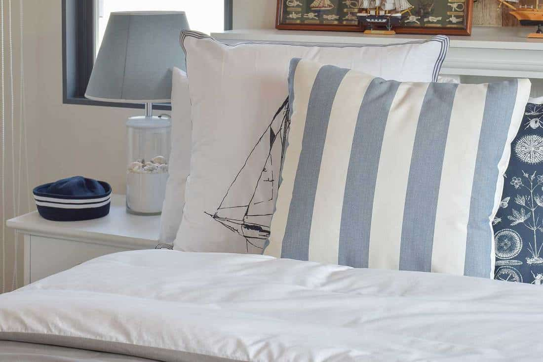 Modern-sailor-themed-bedroom
