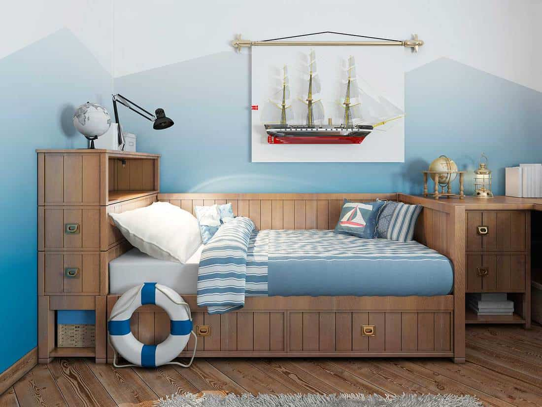 Nautical-themed-bedroom-for-young-boy