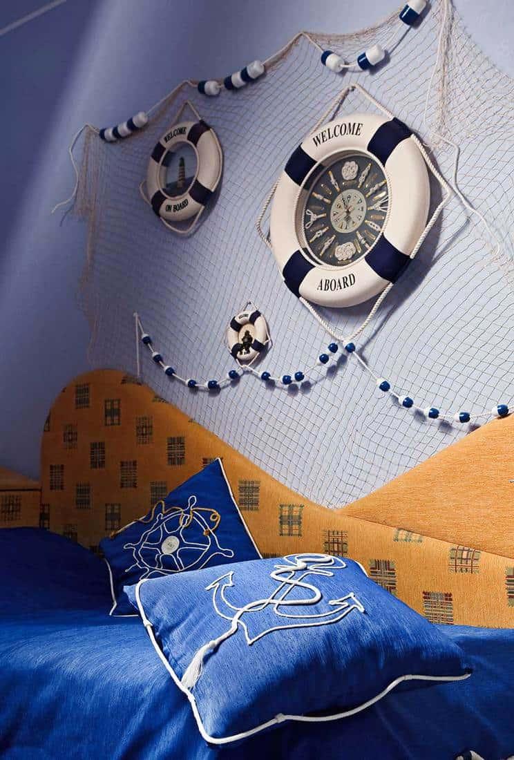Sailor-themed-bedroom-for-little-boys