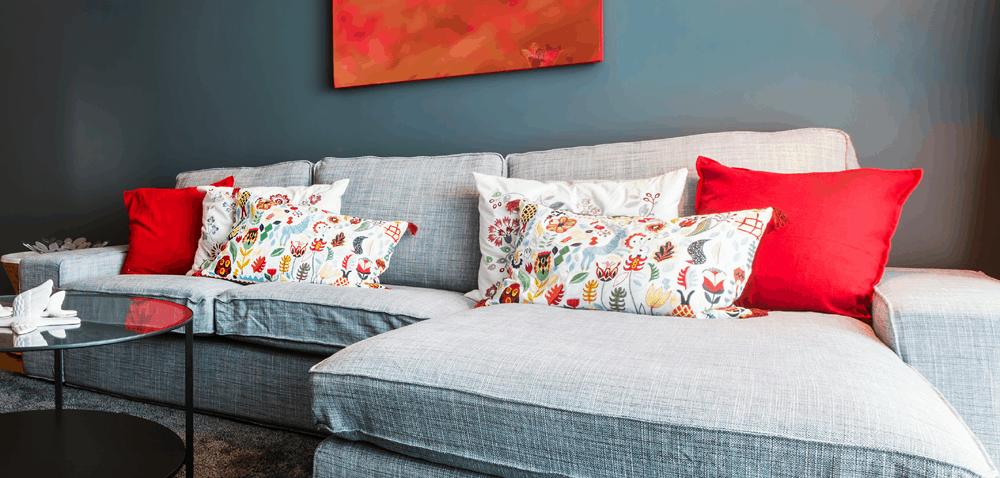how to use decorative pillows throw pillows home decor bliss how to use throw pillows on a bed throw pillows home decor bliss