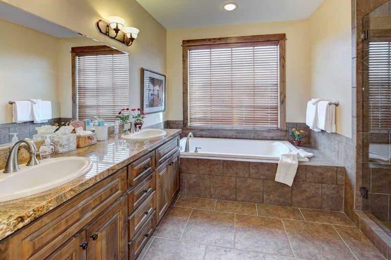 21 Rustic Bathroom Ideas [For That Perfect Farmhouse Look]