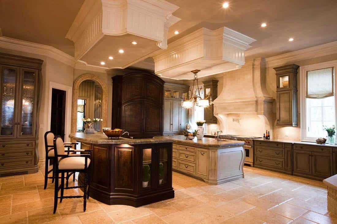Luxurious-kitchen-interior