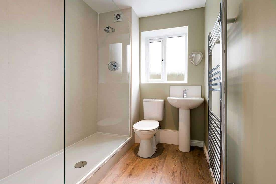 Modern compact bathroom