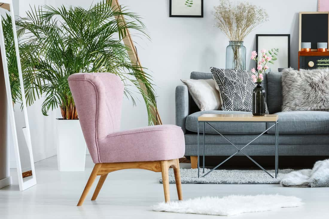 How Tall Should An Accent Chair Be? - Home Decor Bliss
