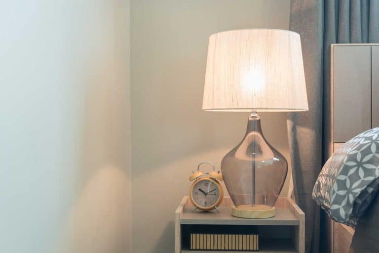Do Lamps Use Electricity When Turned Off?