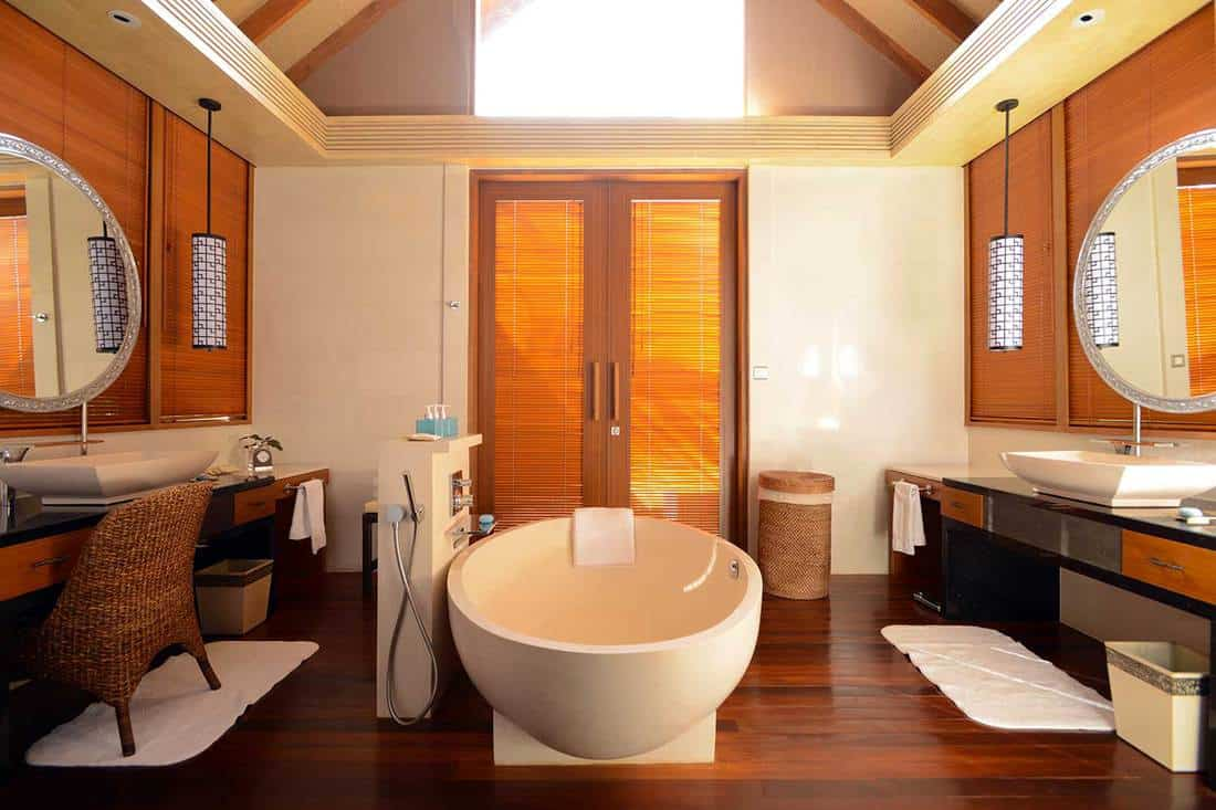 Modern japanese style resort bathroom