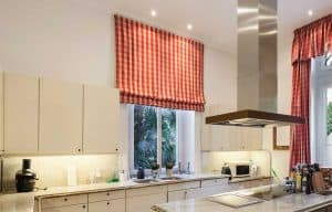 Read more about the article Kitchen Curtains Above The Sink [Pictures And Design Tips!]