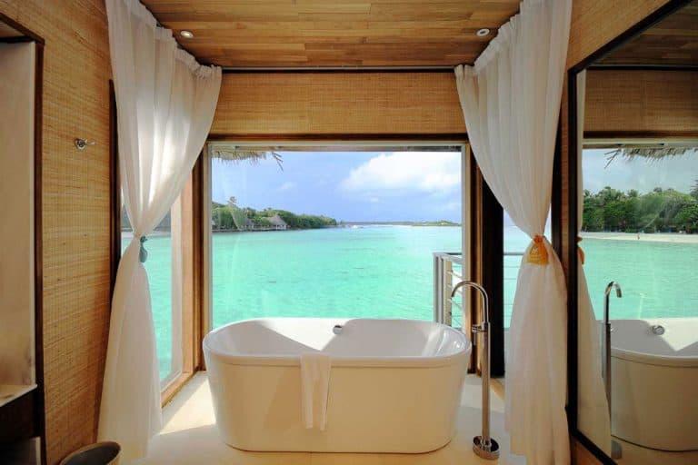 81 Coastal Bathroom Ideas That Will Inspire You