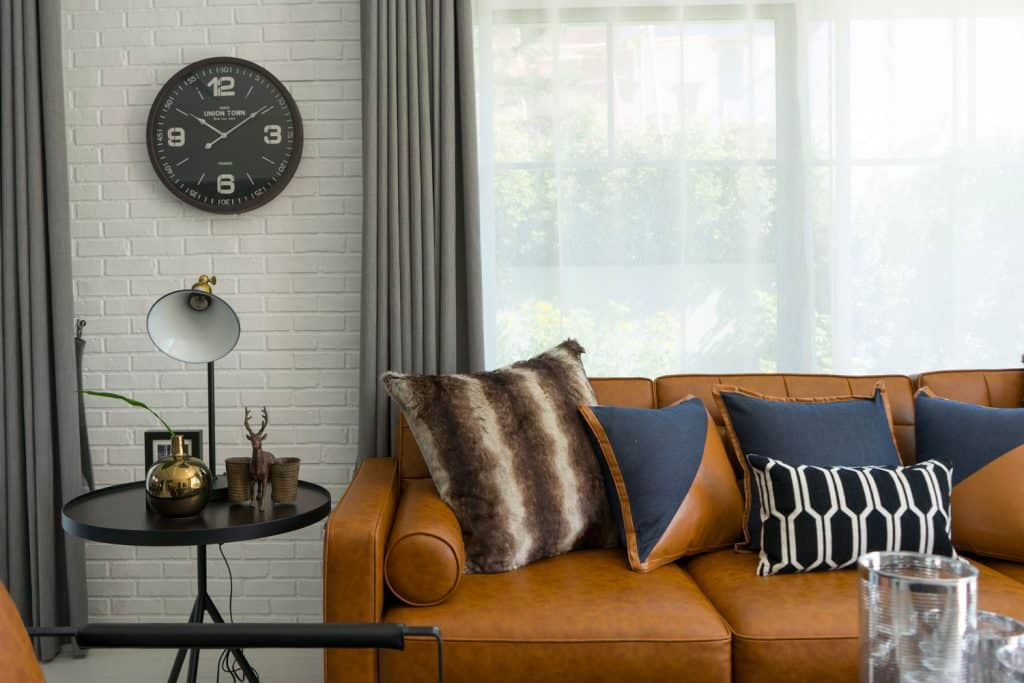 What Color Curtains Go With A Brown, What Colour Curtains Go With Dark Brown Leather Sofa
