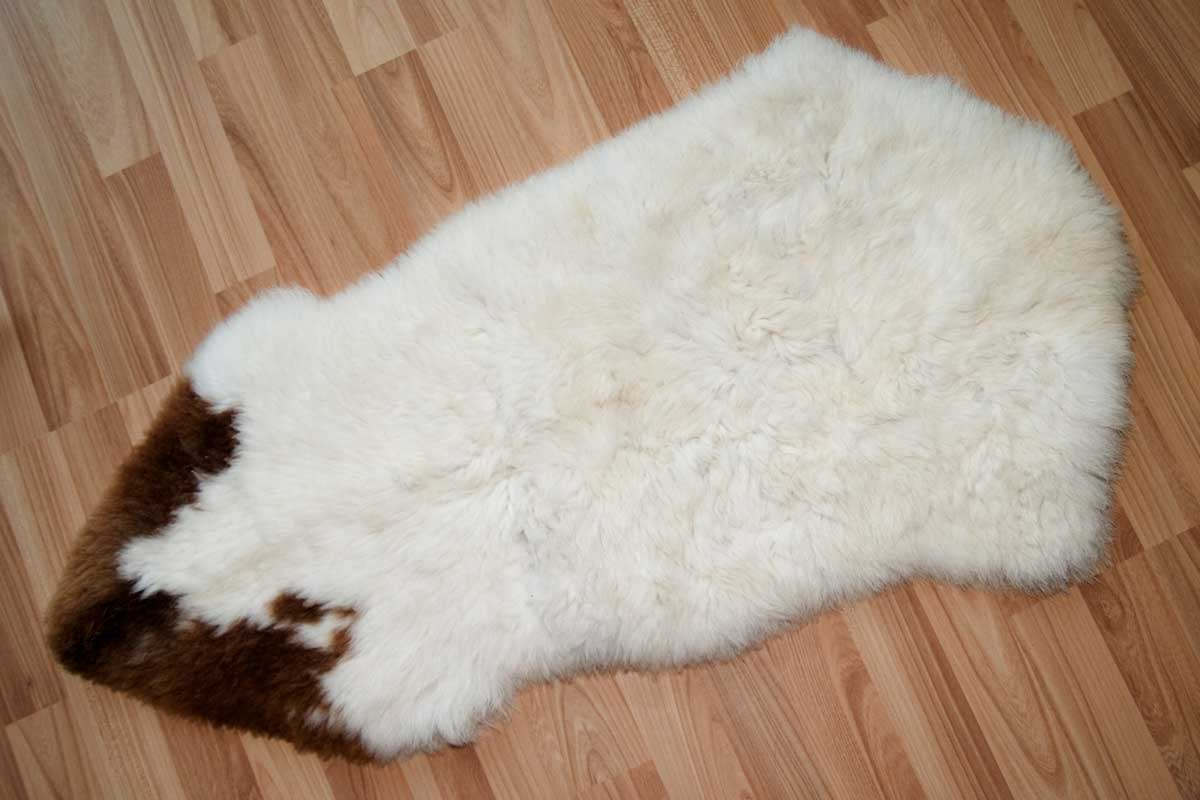 How to Clean a Sheepskin Rug in 6 easy steps - Home Decor Bliss