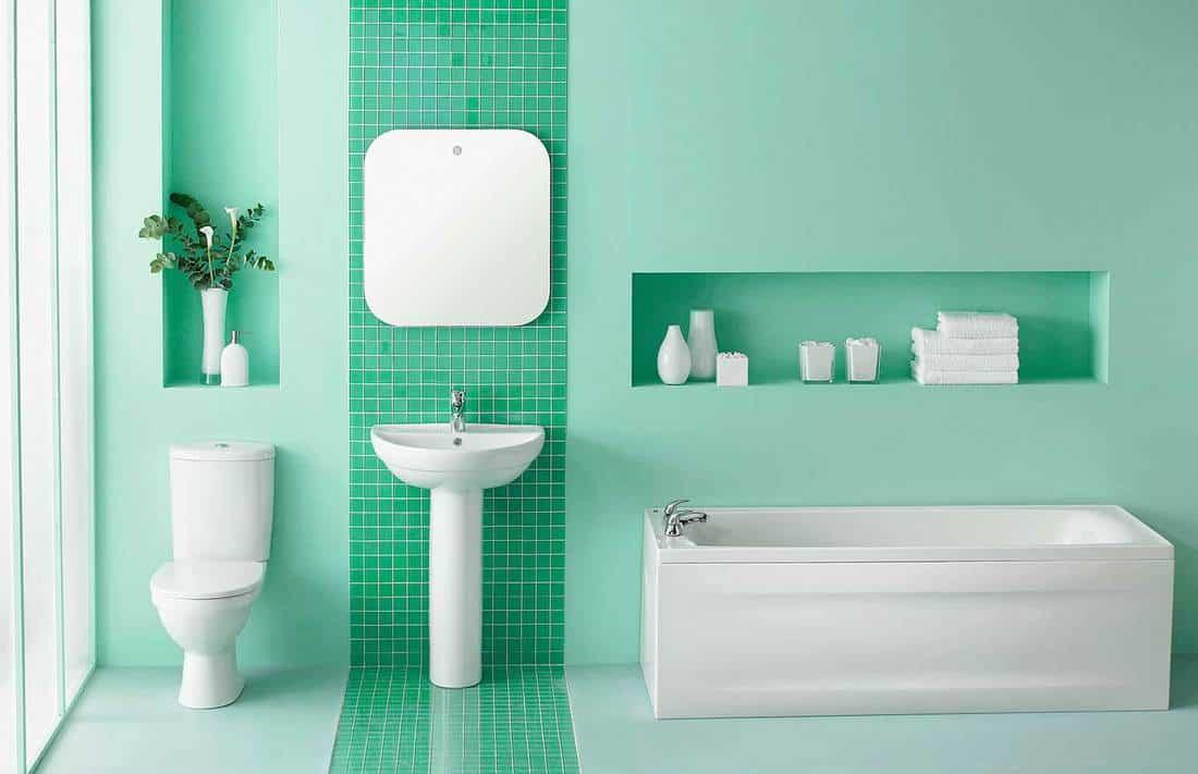 Simplistic green bathroom interior