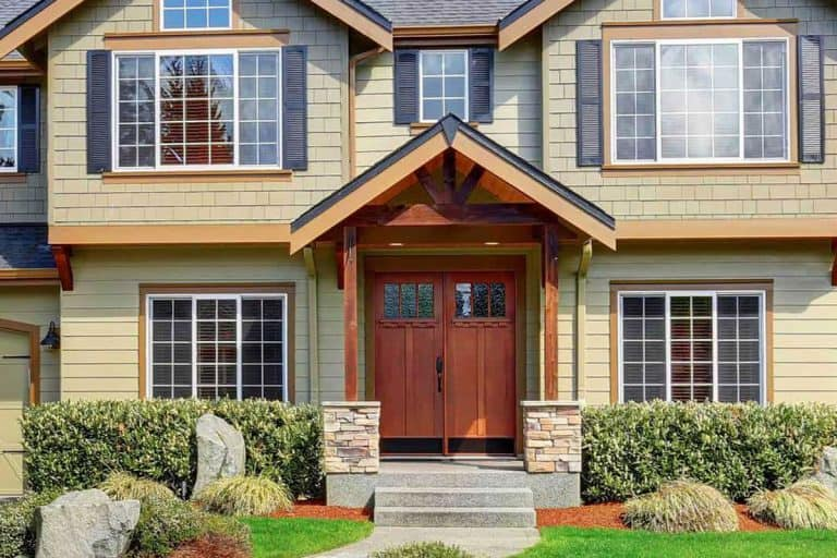 Front Door Colors For Tan House: 13 Photo Ideas