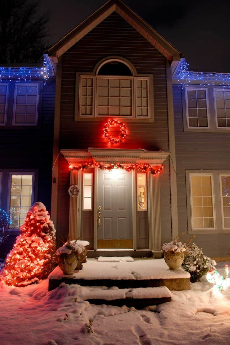 Wreath christmas tree and leaves decorative with red light for front door decoration