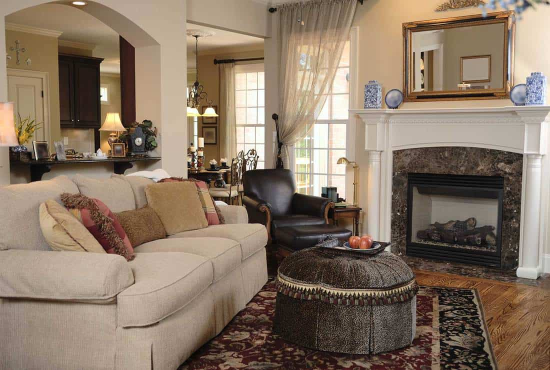 24 Living Room Mirror Decorating Ideas With Pictures Home Decor Bliss