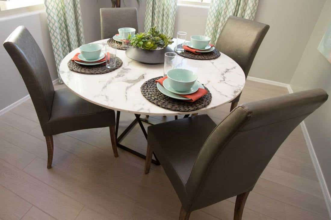 How To Decorate A Dining Table When It S Not In Use Home Decor Bliss