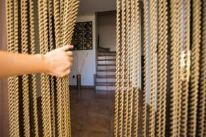 Read more about the article 10 Fantastic Indoor Beaded Curtains For Doorways
