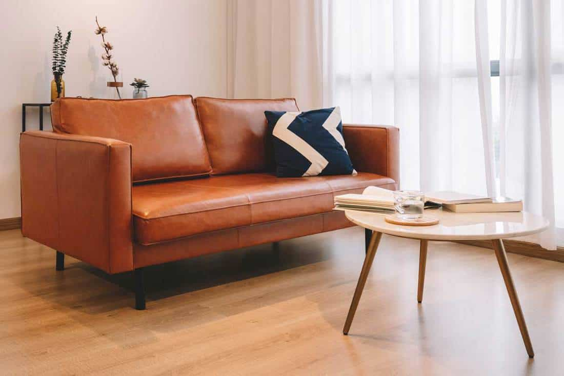 Picture of: 14 Living Room Color Schemes With Brown Leather Furniture Home Decor Bliss