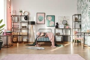 Read more about the article 10 Awesome Layouts for a Bedroom With a Desk