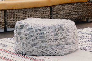 How to clean an ottoman or pouf [Cleaning method by fabric type]