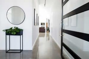 Should An Entryway Have a Mirror (And How Big Should It Be)?