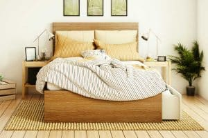 Read more about the article How To Place A Rug Under A Queen Bed (And What Size Should It Be)?