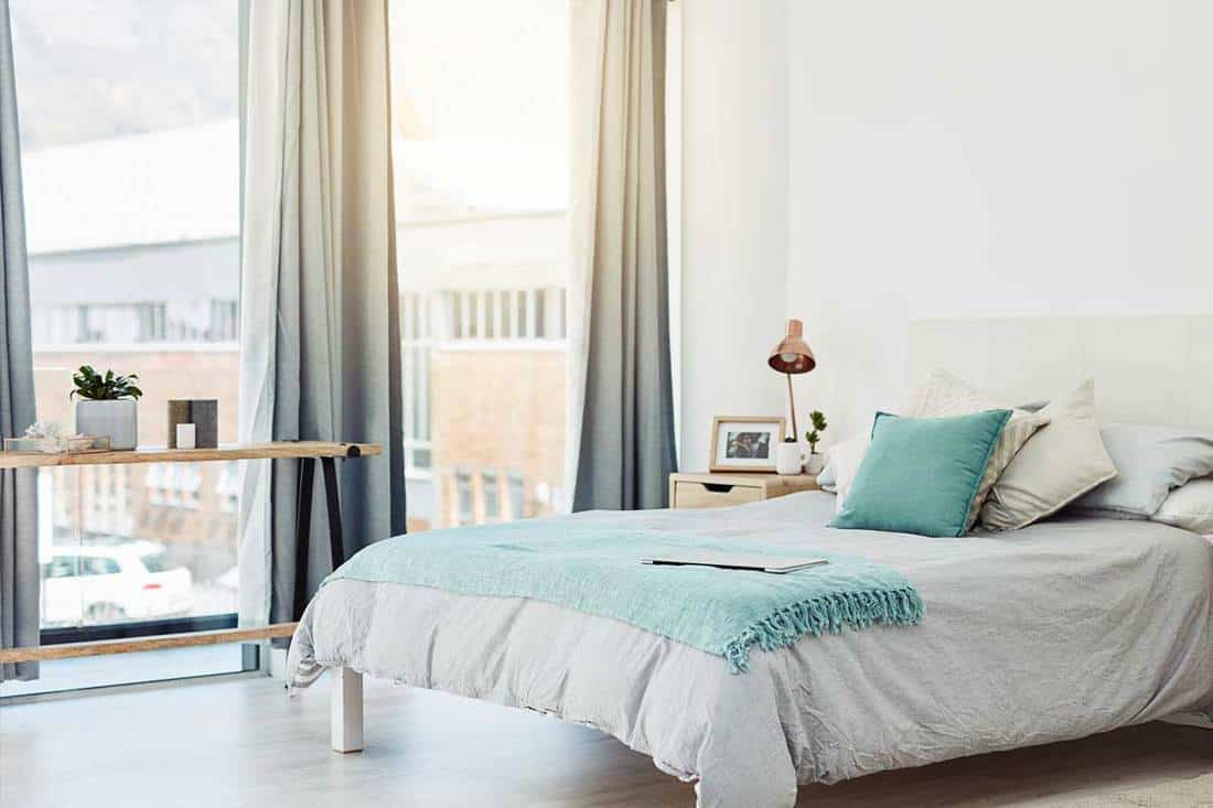 Where To Put A Bed In A Room With Windows 5 Practical Rules To Follow Home Decor Bliss