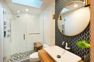 Read more about the article How Big Should A Bathroom Vanity Mirror Be?