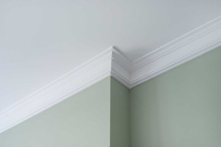 Ceiling crown moldings in modern house interior, 4 Popular Color Ideas For Crown Molding [Inc. Pictures]