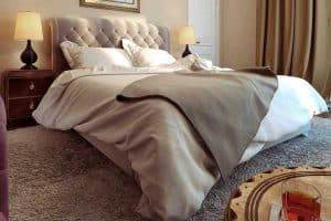 How to Clean a Fabric Headboard [6 Steps]