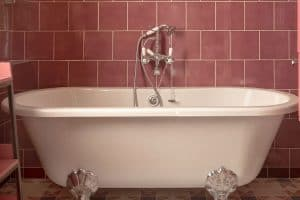 Acrylic Bathtubs Pros And Cons: What Homeowners Need To Know