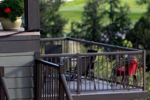 Read more about the article 5 Best Materials For Porch Railings and Banisters