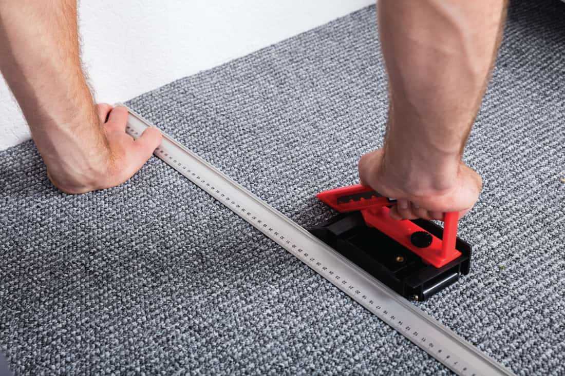 How To Lay Carpet Without A Knee Kicker