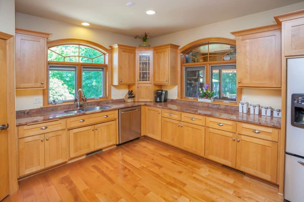 What Color Countertops Goes With Maple Cabinets Home Decor Bliss