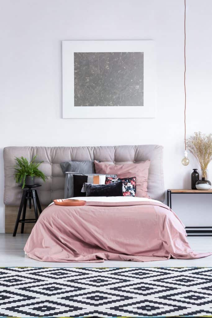 What Color Bedding Goes With A Gray, What Color Goes With Blush Bedding