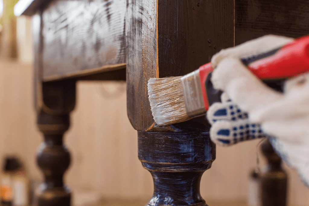 Covering varnish of old wooden table