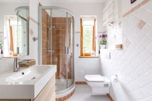 Read more about the article What Is A 3/4 Bathroom? (Compared To A Full Bathroom)