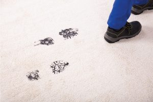 How To Get Mud And Dirt Out Of Carpet [4 Easy Ways]
